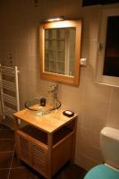 salle d'eau équipée d'un lave-linge