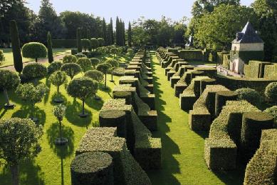 Les Jardins du Manoir d'Eyrignac 36 kms